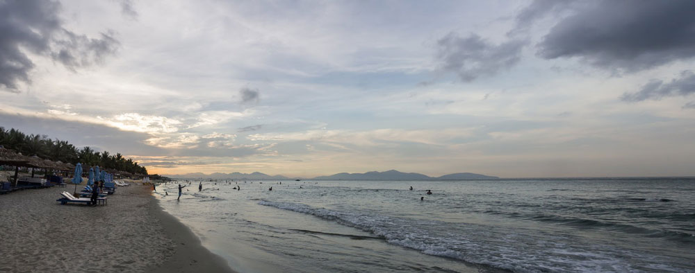 Surfing in Hoi An