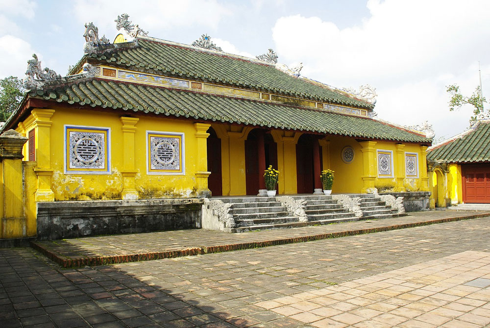 Cung Dien Tho Palace